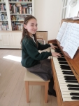 Imogen Performing Make you feel my love by Adele.